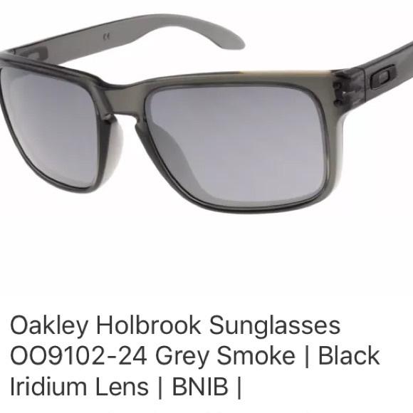 d3d5903544 Oakley Holbrook Sunglasses Iridium Lens. M 5b97f980f63eeacc3ed13eaa